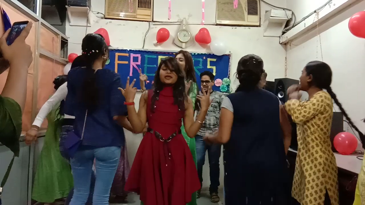 Freshers Party 2019 (12)