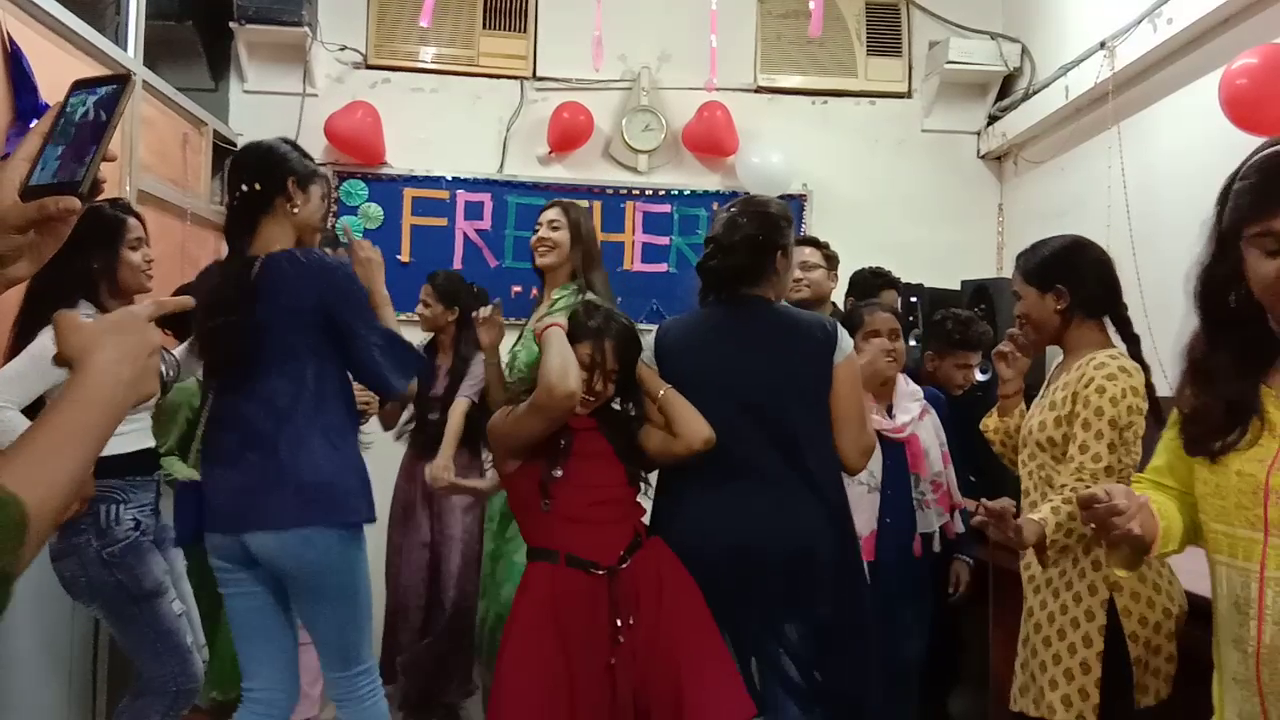 Freshers Party 2019 (14)