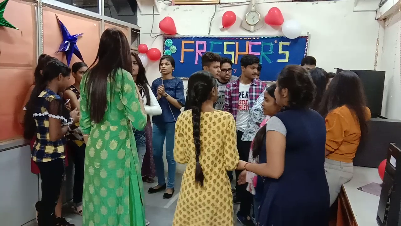 Freshers Party 2019 (6)